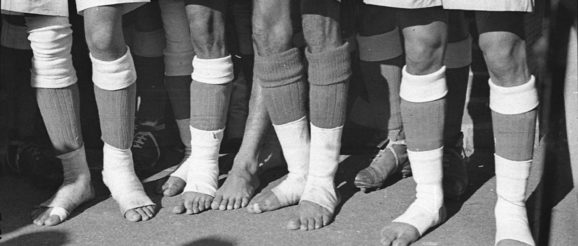 Indians like to play soccer barefoot.